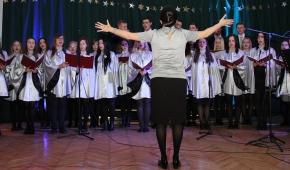 Chór II LO. Koncert świąteczny Foto: mat. Renaty Tomy
