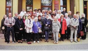 Uczestnicy Warsztatów Poetyckich na zdjęciu w tomiku.