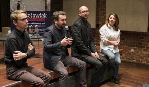 Od lewej: Emil Sowiński, Krzysztof Jajko, Michał Dondzik i prowadząca spotkanie Anna Michalska