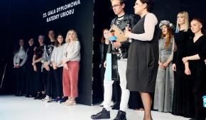 Gala Dyplomowa 2017: na pierwszym planie Jolanta Rudzka-Habisiak i Grzegorz Marcisz