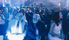Klaus Eder, sekretarz generalny Federacji Krytyków Filmowych FIPRESCI i Arturo Ripstein, wybitny reżyser meksykański na gali w Hali Maszyn EC1. Fot. mat. promocyjne festiwalu